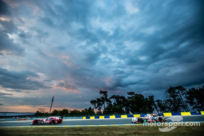 #22 Nissan Motorsports, Nissan GT-R LM NISMO: Harry Tincknell, Alex Buncombe, Michael Krumm und #38 Jota Sport, Gibson 015S: Simon Dolan, Mitch Evans, Oliver Turvey