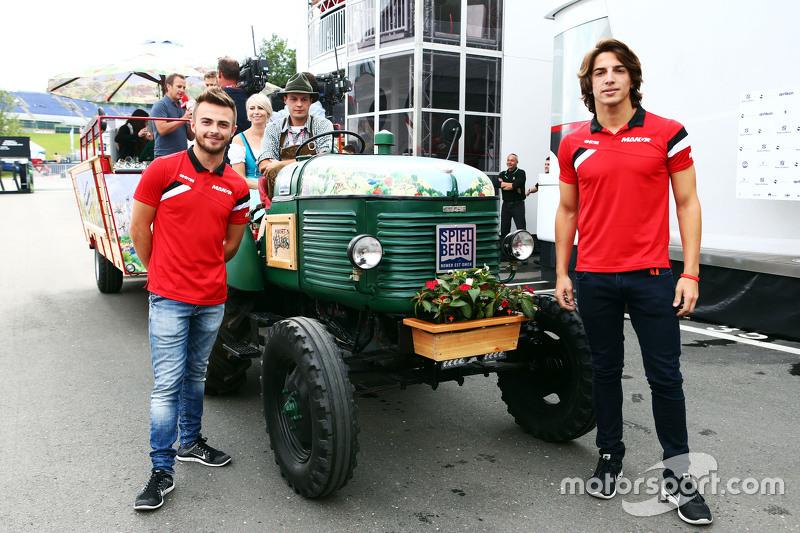 Will Stevens e Roberto Merhi, Manor F1 Team, all'hospitality di Spielberg