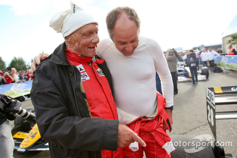 Niki Lauda, Mercedes Non-Executive Chairman, dan Gerhard Berger, di Legends Parade