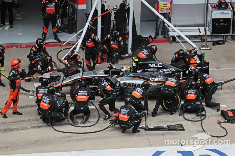 Sergio Pérez, Sahara Force India F1 VJM08 hace una parada de pits