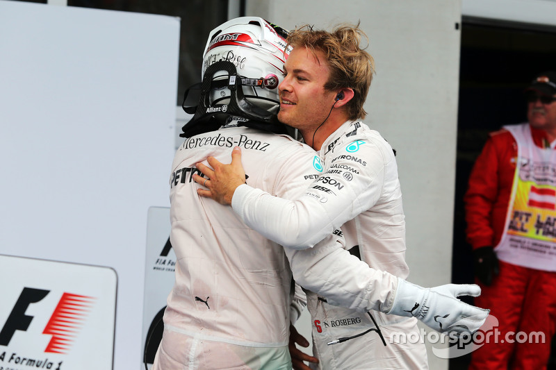 Race winner Nico Rosberg, Mercedes AMG F1 celebrates with team mate Lewis Hamilton, Mercedes AMG F1 in parc ferme