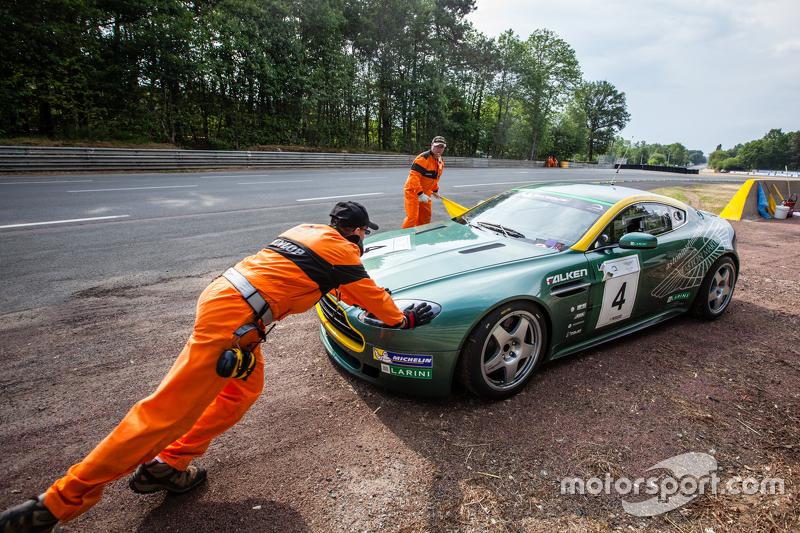 #4 Aston Martin Belgium GT4: Arnold Herreman hat das Auto abgestellt