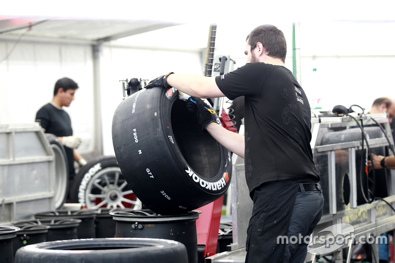 Hankook Mechanic