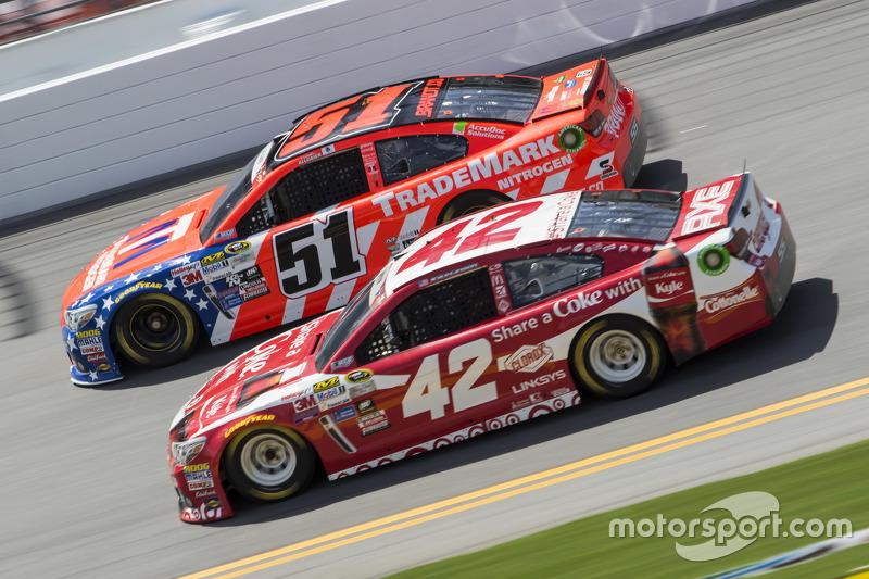 Justin Allgaier, HScott Motorsports Chevrolet and Kyle Larson, Ganassi Racing Chevrolet