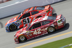 Justin Allgaier, HScott Motorsports, Chevrolet, und Kyle Larson, Ganassi Racing, Chevrolet
