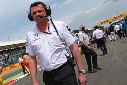 Eric Boullier, Rennleiter McLaren, in der Startaufstellung