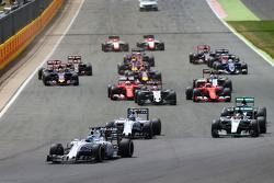 Start: Felipe Massa, Williams FW37 leads