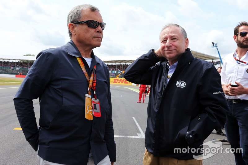 Sir Martin Sorrell, WPP CEO with Jean Todt, FIA President on the grid