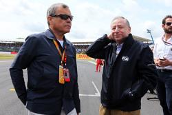Sir Martin Sorrell, CEO WPP con Jean Todt, Presidente FIA sulla griglia di partenza