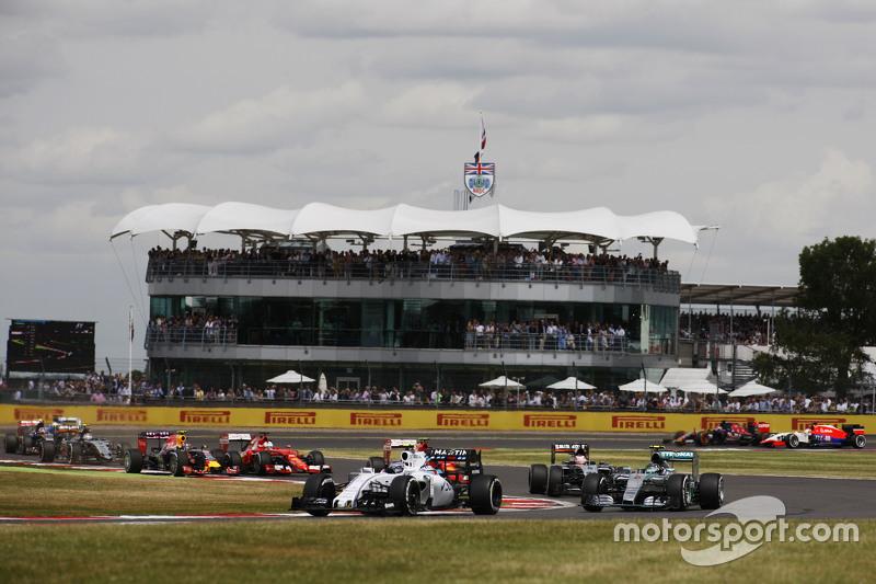 Valtteri Bottas, Williams FW37 at the start of the race