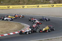 Start: Markus Pommer, Motopark Dallara Volkswagen passes Antonio Giovinazzi, Jagonya Ayam with Carlin Dallara Volkswagen for the lead