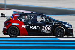 #208 Takımı Altran Peugeot 208 Gti: Guillaume Roman, Gaetan Bischoff, Gonzalo de Andres, Steven Palette