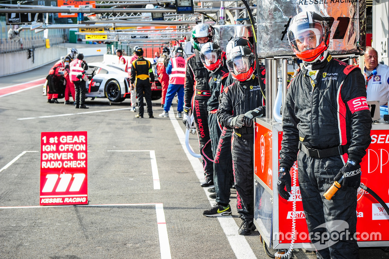 Kessel Racing crew members wait