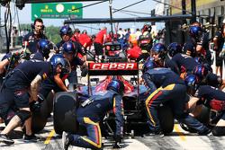 Max Verstappen, Scuderia Toro Rosso STR10 oefent een pitstop