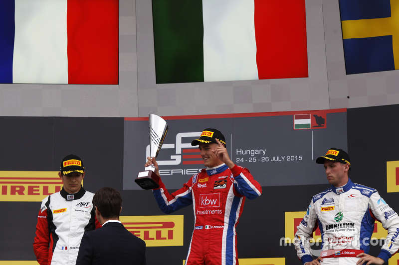 Juara balapan Kevin Ceccon, Arden International, peringkat kedua Esteban Ocon, ART Grand Prix & peringkat ketiga Jimmy Eriksson, Koiranen GP