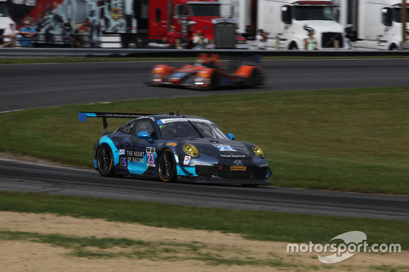 #23 Alex Job Racing Porsche 911 GT America: Ian James, Mario Farnbacher