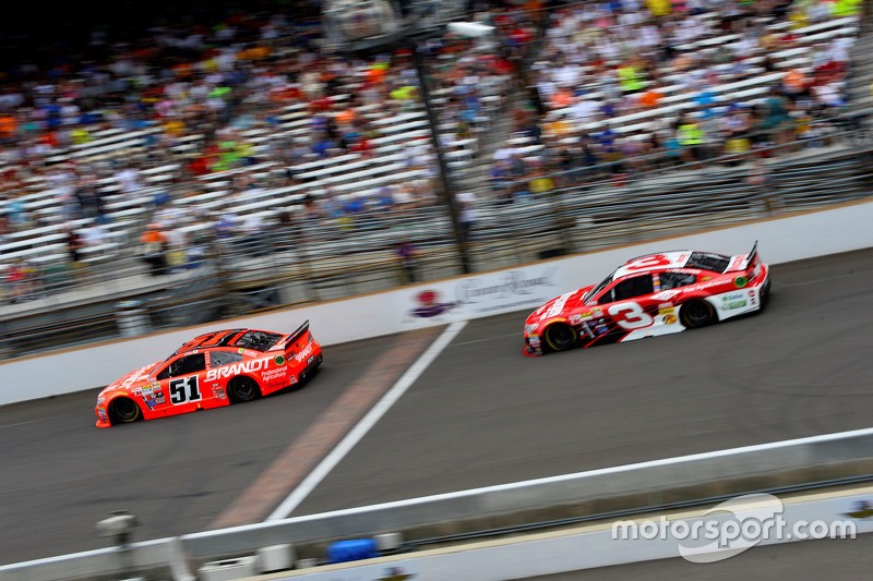 Justin Allgaier, HScott Motorsports Chevrolet and Austin Dillon, Richard Childress Racing Chevrolet