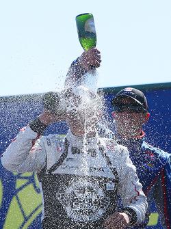 Podium: race winner Graham Rahal, Rahal Letterman Lanigan Racing Honda, second place Justin Wilson, Andretti Autosport Honda