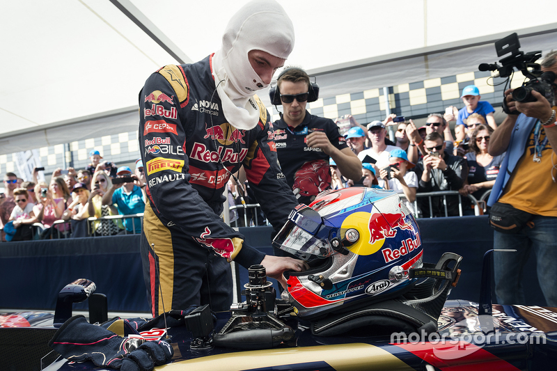 Max Verstappen beim Red-Bull-Showrun in Assen