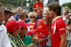 Roberto Merhi, Manor F1 Team, mit Fans