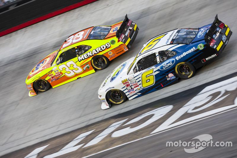 Brdanon Jones, Richard Childress Racing Chevrolet dan Darrell Wallace Jr., Roush Fenway Racing Ford