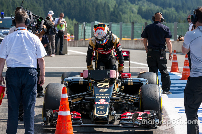 Romain Grosjean, Lotus F1 E23 in parc ferme
