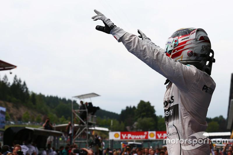 Posisi Pertama Lewis Hamilton, Mercedes AMG F1