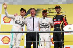 Posisi Pertama Lewis Hamilton, Mercedes AMG F1 posisi kedua Nico Rosberg, Mercedes AMG F1 dan posisi ketiga Romain Grosjean, Lotus F1 E23