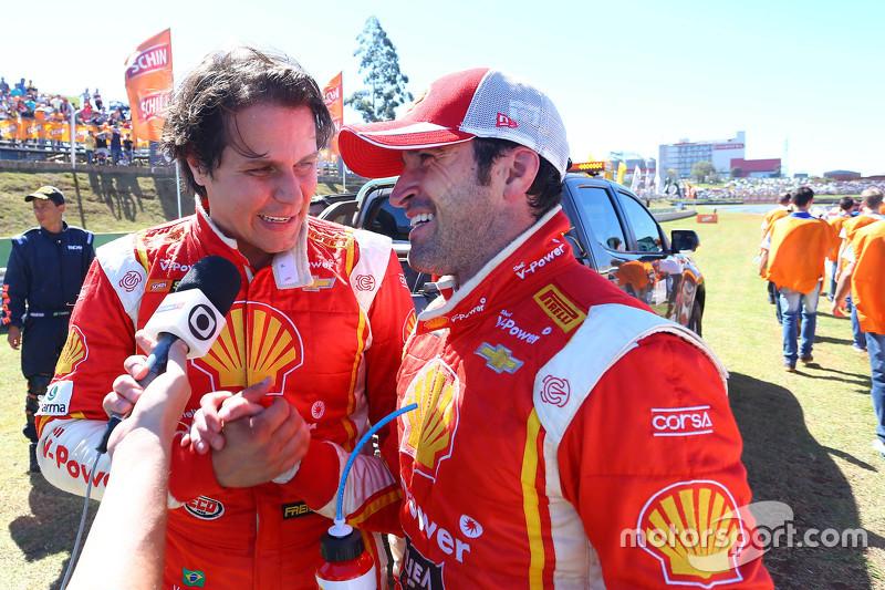 Valdeno Brito e Ricardo Zonta dando entrevista