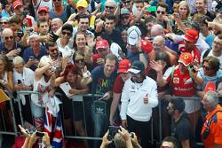 Fernando Alonso, McLaren met de fans