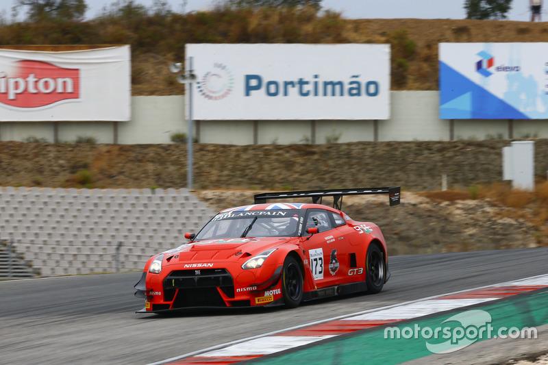 #73 MRS GT Racing Nissan GT-R Nismo GT3: Шон Уокіншоу, Craig Dolby