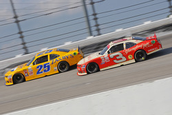 John wes Townley, Athenian Motorsports Chevrolet y Ty Dillon, Richard Childress Racing Chevrolet