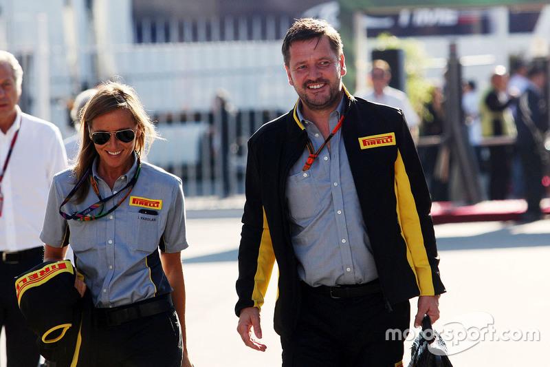 Пол Хембрі, директор Pirelli Motorsport з his Perсинal Assistant Ilaria Parolari