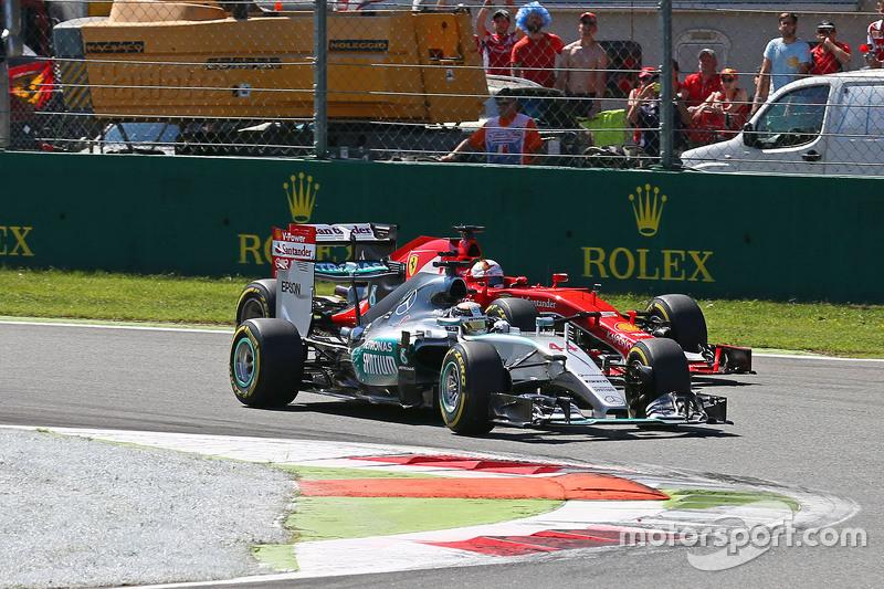 Lewis Hamilton, Mercedes AMG F1 W06 lidera al comienzo de la carrera