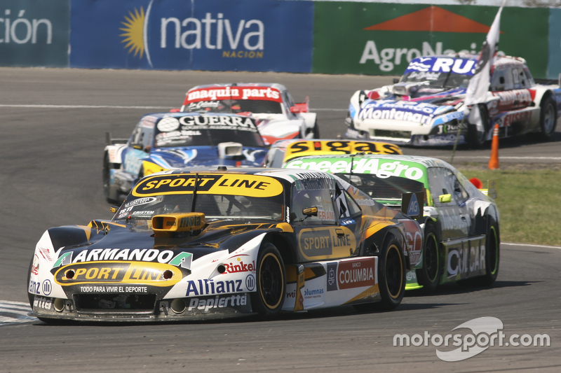 Leonel Pernia, Las Toscas Racing Chevrolet and Agustin Canapino, Jet Racing Chevrolet and Josito di Palma, CAR Racing Torino