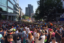 Aficionados en el Red Bull soap box race en Montréal