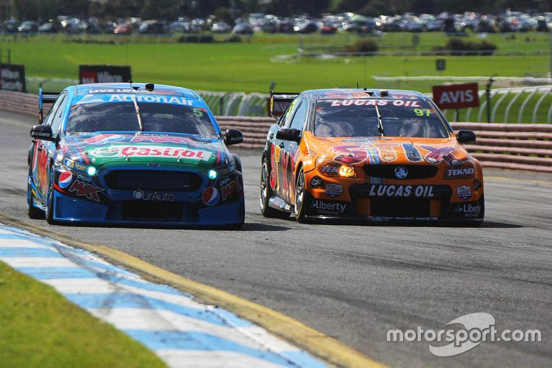 Mark Winterbottom und Steve Owen, Prodrive Racing Australia Ford; Shane van Gisbergen und Jonathon Webb, Tekno Autosports Holden