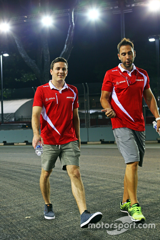 Fabio Leimer, Manor F1 Team Test and Reserve Driver walks the circuit
