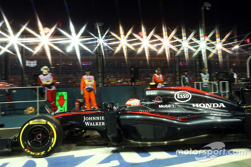 Jenson Button, McLaren MP4-30 leaves the pits