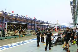 Sergio Perez, Sahara Force India F1 VJM08 no box