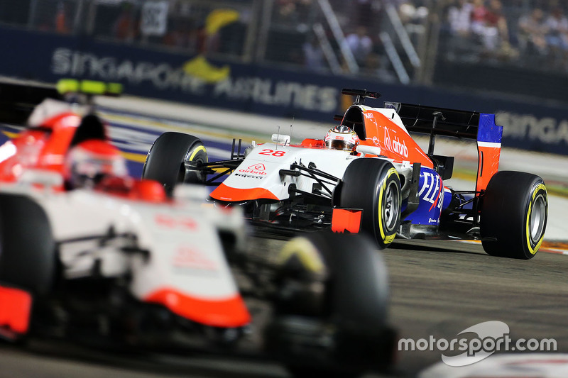 Will Stevens, Manor Marussia F1 Team, hinter Teamkollege Alexander Rossi, Manor Marussia F1 Team