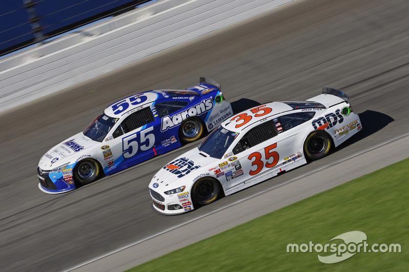 Коул Вітт, Front Row Motorsports Ford та Девід Реген, Michael Waltrip Racing Toyota
