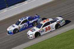 Cole Whitt, Front Row Motorsports Ford; David Ragan, Michael Waltrip Racing Toyota
