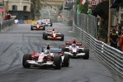 Jarno Trulli, Toyota Racing, TF107 leads Anthony Davidson, Super Aguri F1 Team, SA07