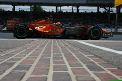 Feature at Start / Finish Line, Christijan Albers, Spyker F1 Team, F8-VII