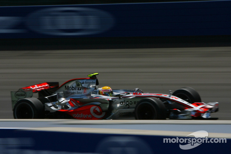 2007 (Indianapolis): Lewis Hamilton (McLaren-Mercedes MP4-22)