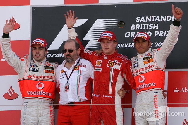 2007. Подіум: 1. Кімі Райкконен, Ferrari. 2. Фернандо Алонсо, McLaren-Mercedes. 3. Льюіс Хемілтон, McLaren-Mercedes