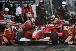 Pitstop for Justin Wilson