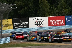 Start: the field heads to the Esses