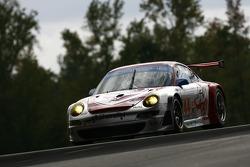 #44 Flying Lizard Motorsports Porsche 911 GT3 RSR: Darren Law, Lonnie Pechnik, Seth Neiman